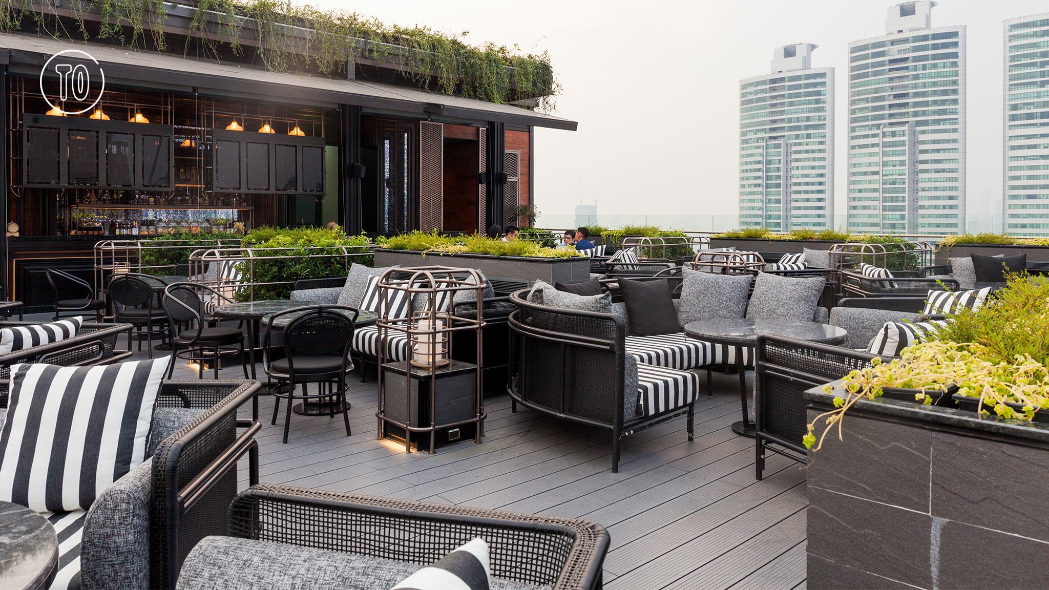 A Bar cocktail rooftop bar