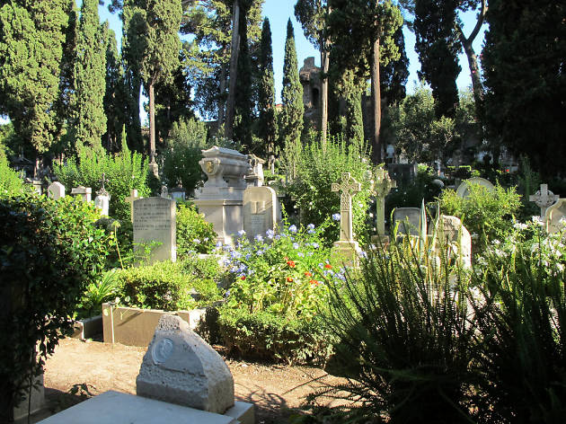Cimitero cattolico the essential things to do in rome The essential things to do in Rome image