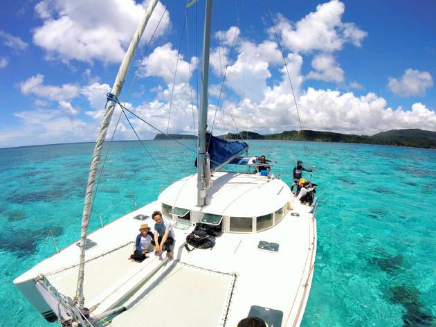 Take a yacht tour