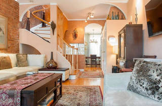 Beautiful Duplex Apartment With Parking