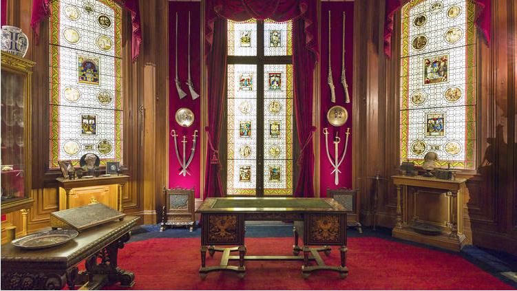 On a testé la visite à la lampe de poche chez Rothschild
