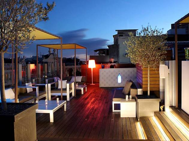 Axel Hotel, Sky Bar