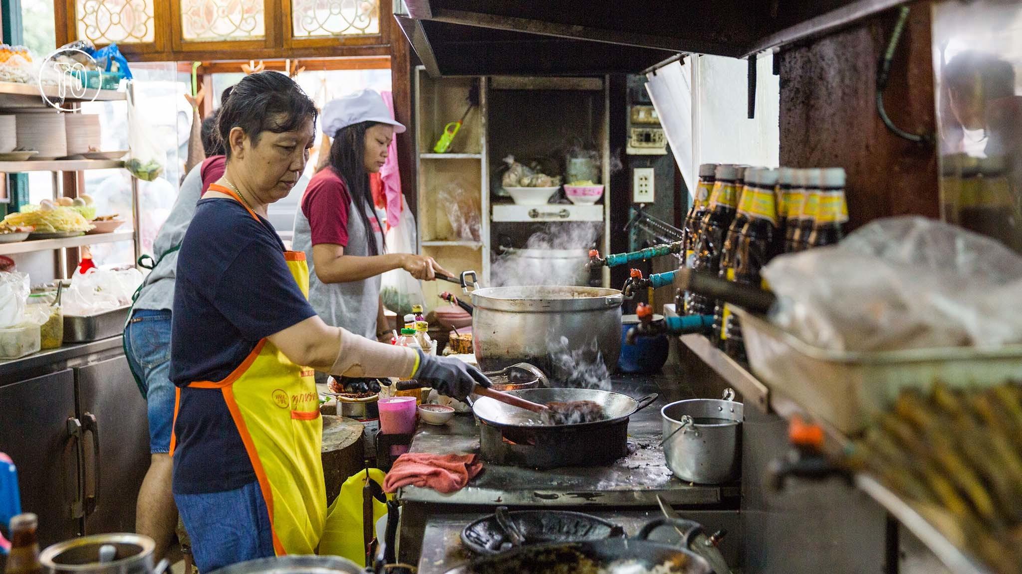 Kao Tom Thewet Chiao Chan Pha Nit