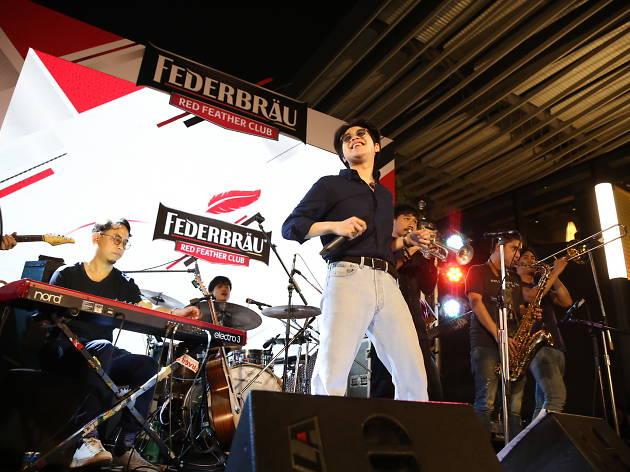 Federbrau Red Feather Club Atom