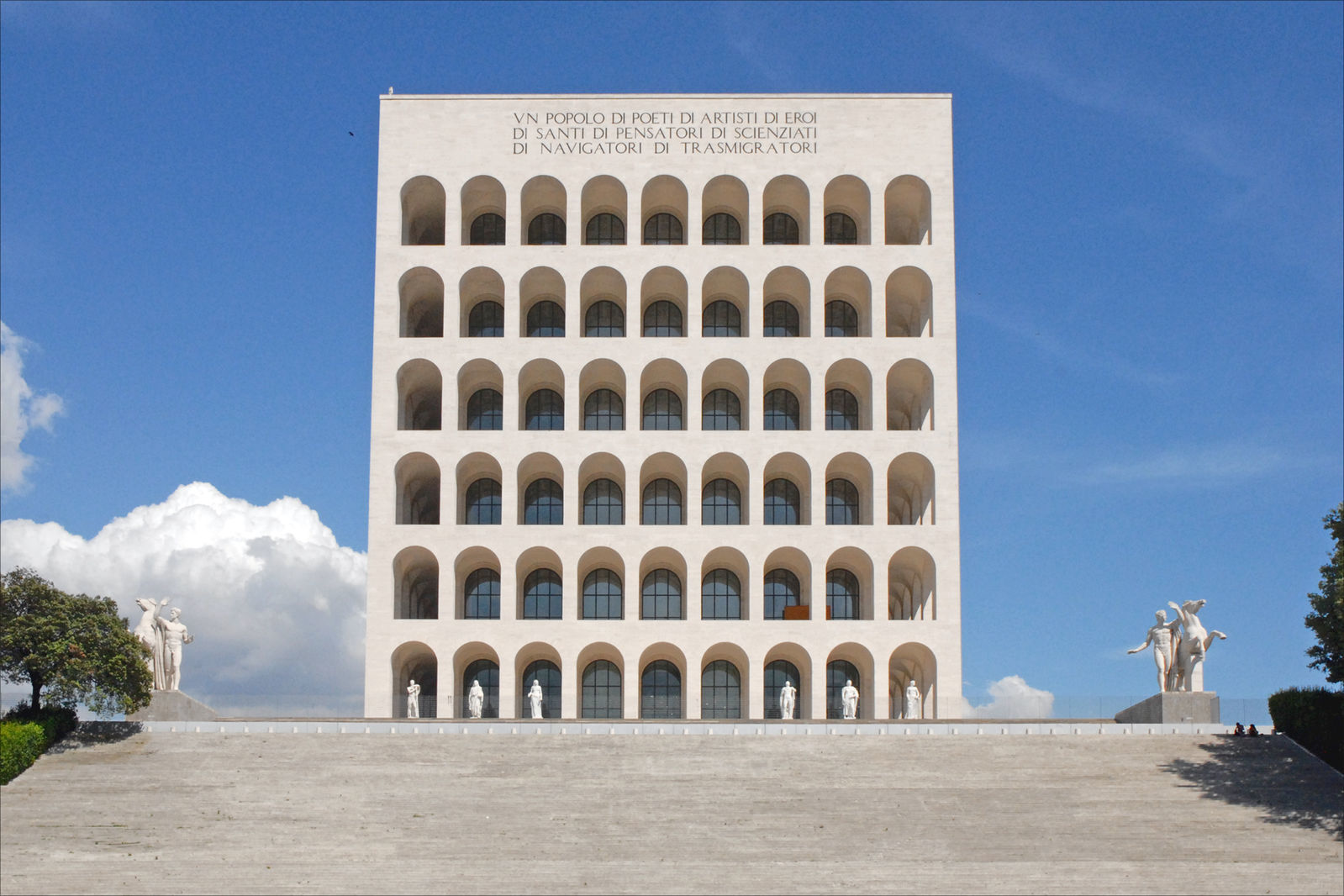 Check out our list of the most jawdroppingly beautiful buildings in Rome.