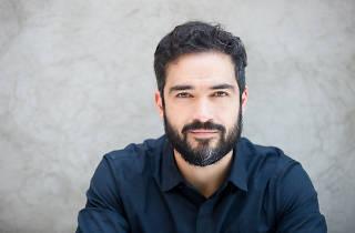 Alfonso Herrera protagoniza La Sociedad de los poetas muertos