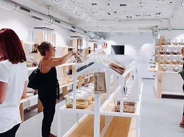 Barcelona ya tiene un supermercado libre de plástico