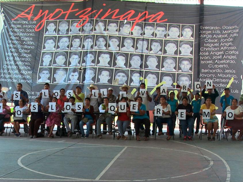 Ayotzinapa, el paso de la tortuga en la FICG