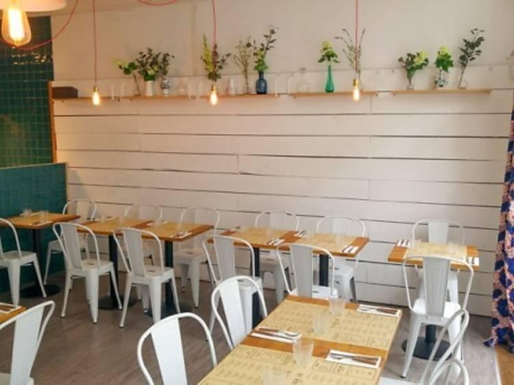 Mabiche + Lisbon Love Hostel&Bar