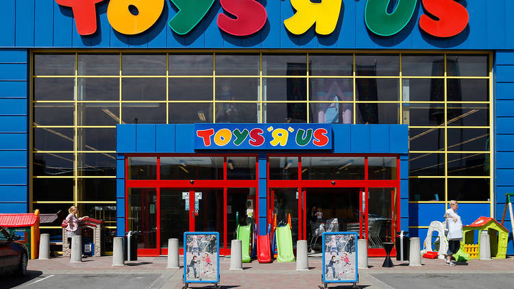 "Toys ""R"" US is officially closing and we're heartbroken"