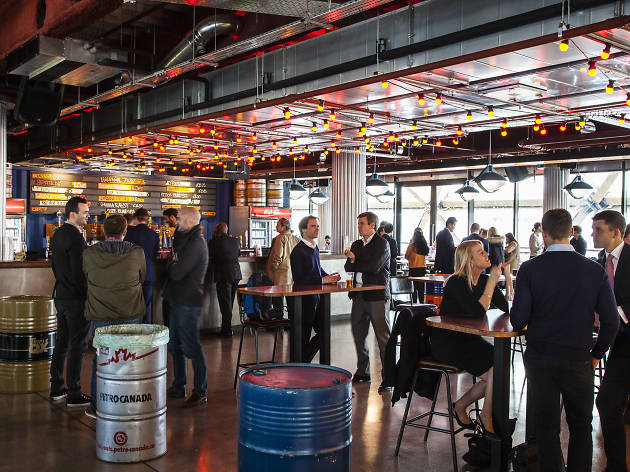 15 Best Bars In Canary Wharf After Work Drinks Sky High