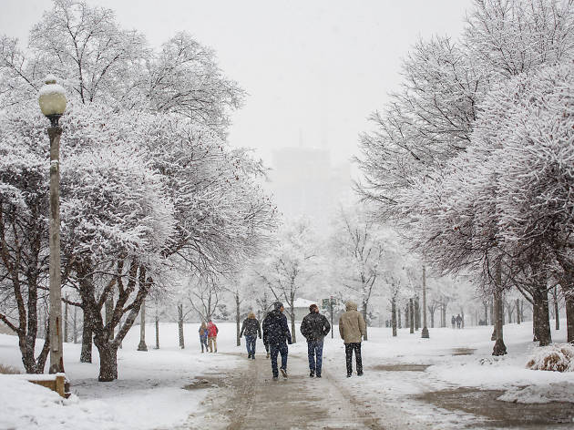 A nasty winter storm will blanket Chicago in snow on Friday