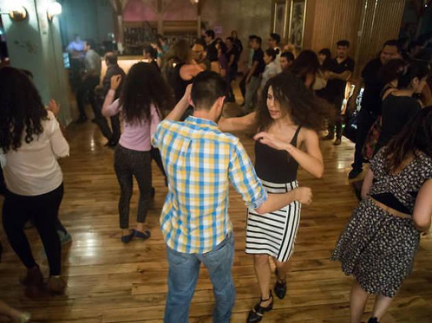 Viernes de ritmos latinos en El Babalú