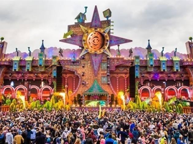 Daydream Festival: Dimirtri Vegas & Like Mike + Paco Osuna + Andrea Oliva