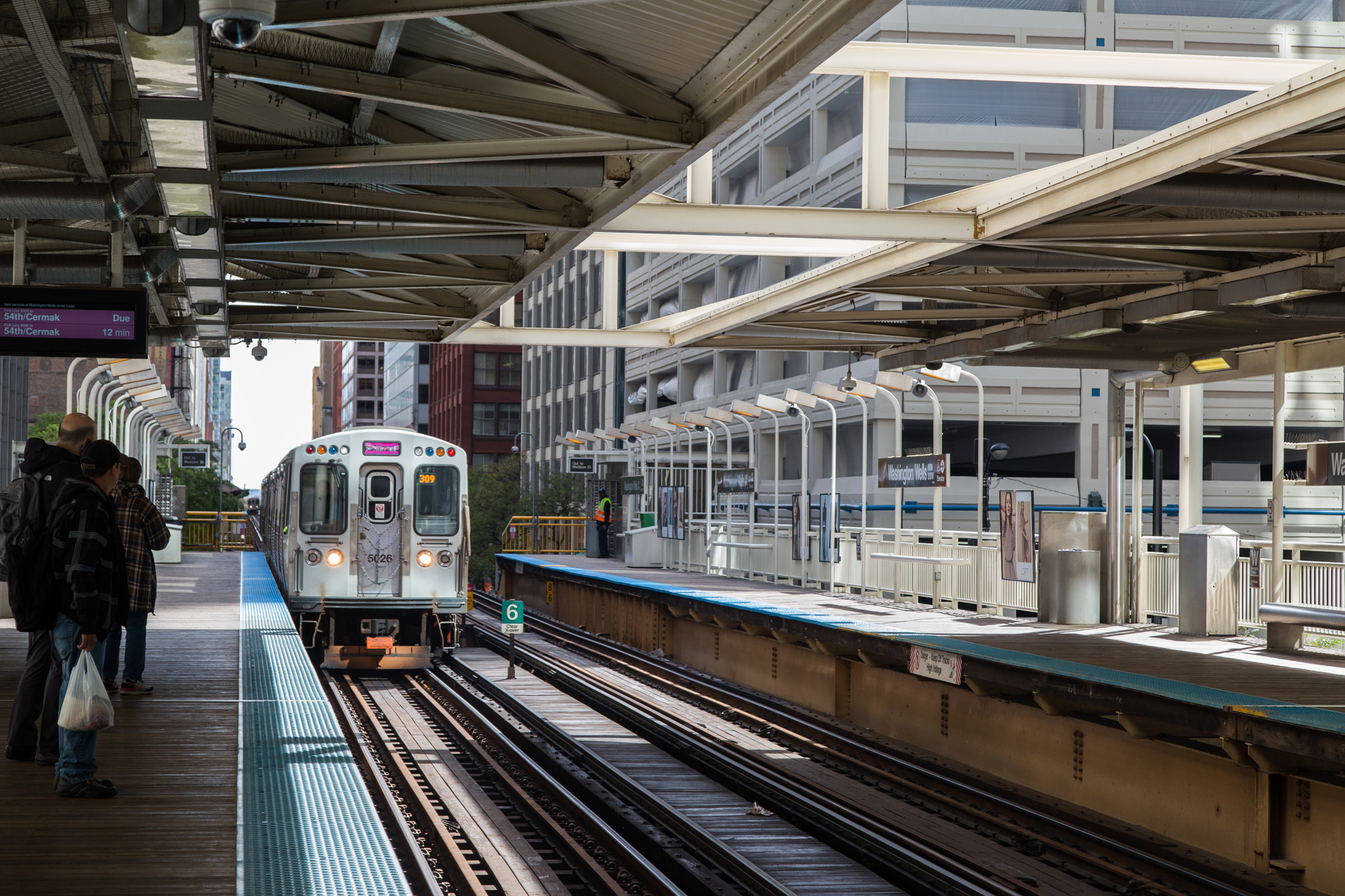 April is so unseasonably cold that CTA has agreed to keep its warming stations on