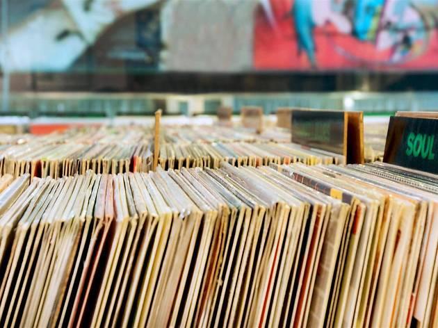 Na Porto Calling encontra vários géneros de música como o rock progressivo, jazz, punk e soul