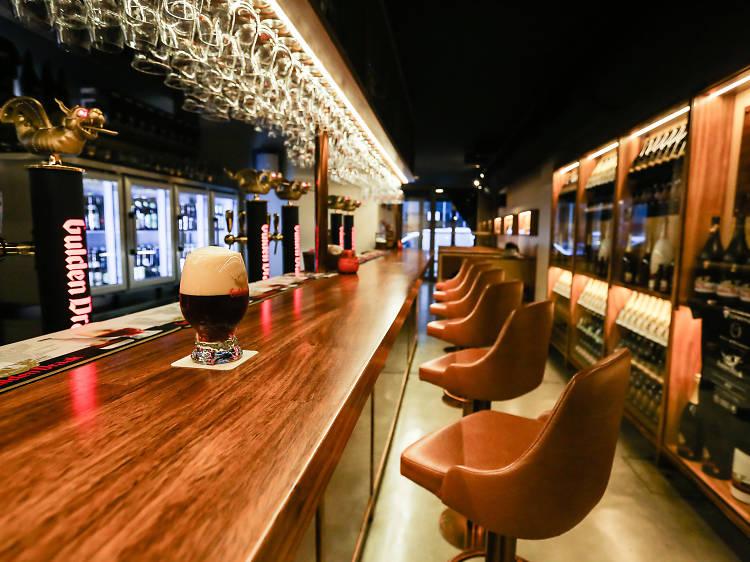 Cinco novos bares para conhecer no Porto