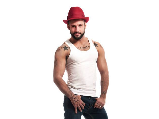 Jorge Narcio es el coregorafo de la agencia Move on dance