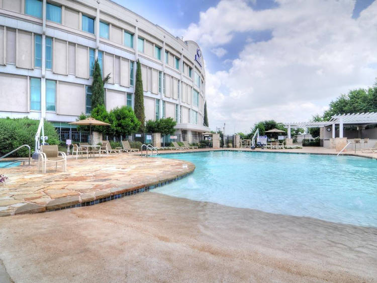 The best Austin airport hotels