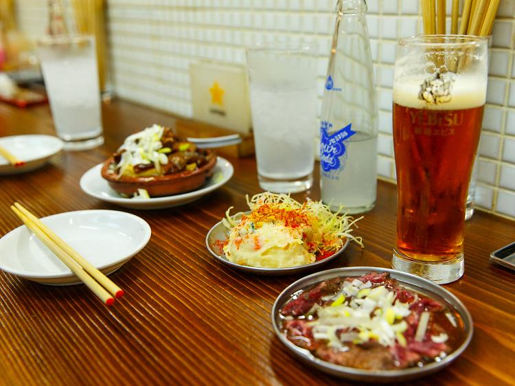 素朴な料理をお腹いっぱい食べる。