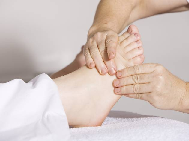 Spa hotels in Philadelphia offer all kinds of treatment, like foot reflexology
