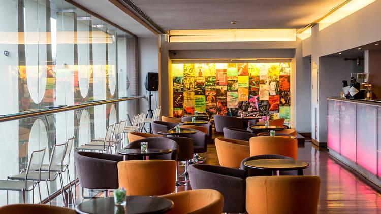 Bar - Teatro Maria Matos