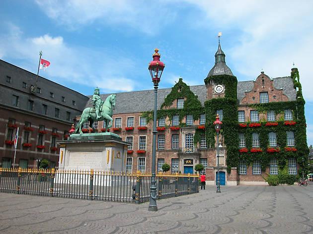 City Hall, Rathaus