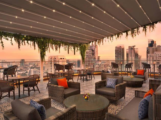 Hyatt Place Bangkok Sukhumvit, Aire Bar