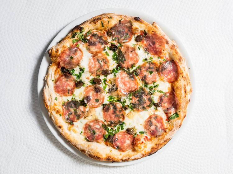 A melhor pizzaria tem uma história insólita