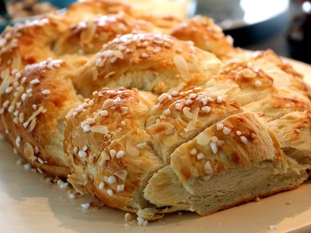 Plaited bread, pixabay