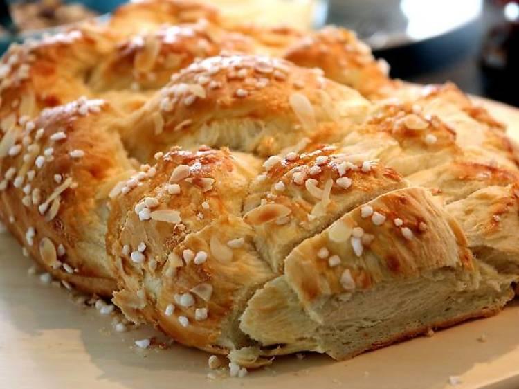Plaited sweet bread