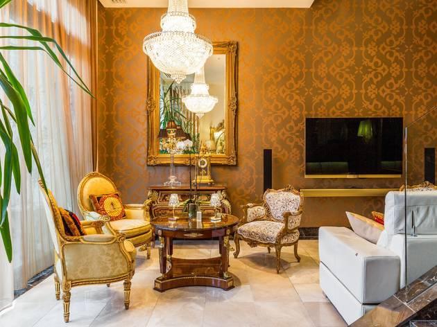 Extravagant CBD apartment Airbnb