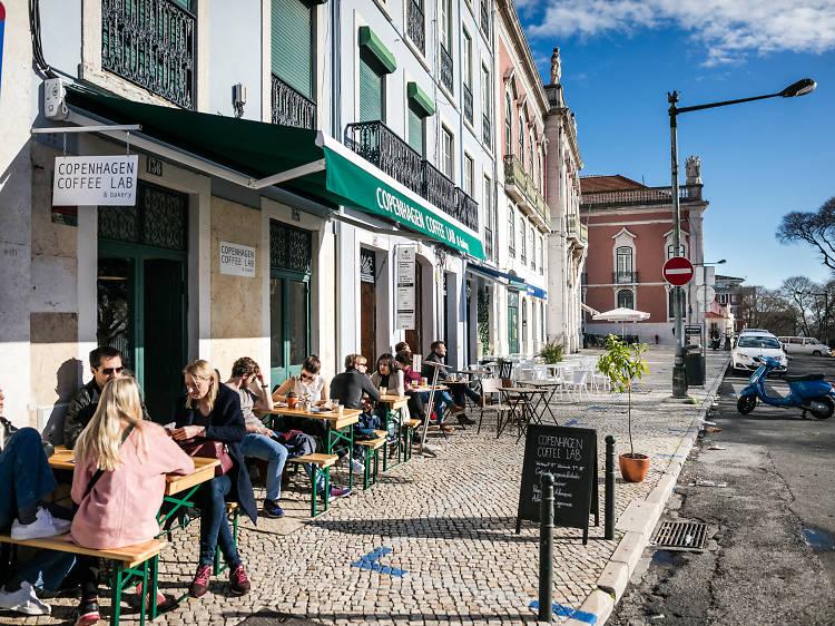 09.00 - Pequeno-almoço no Copenhagen Coffee Lab - Santa Clara