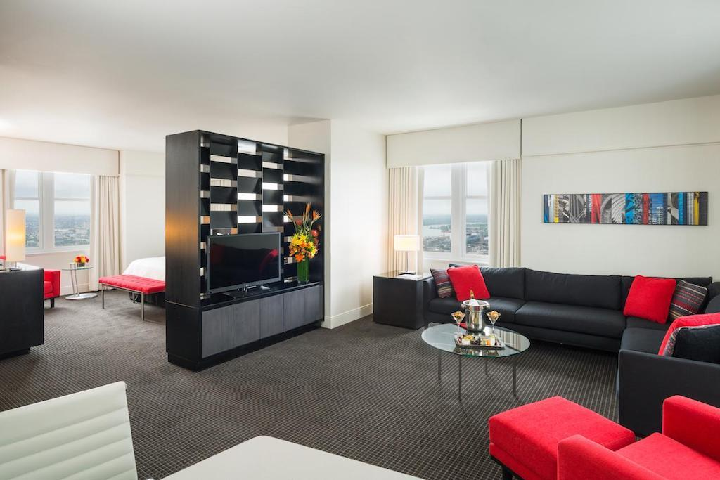 The Loews Philadelphia is one of the best luxury hotels in Philadelphia, and its excellently located in the heart of Center City.