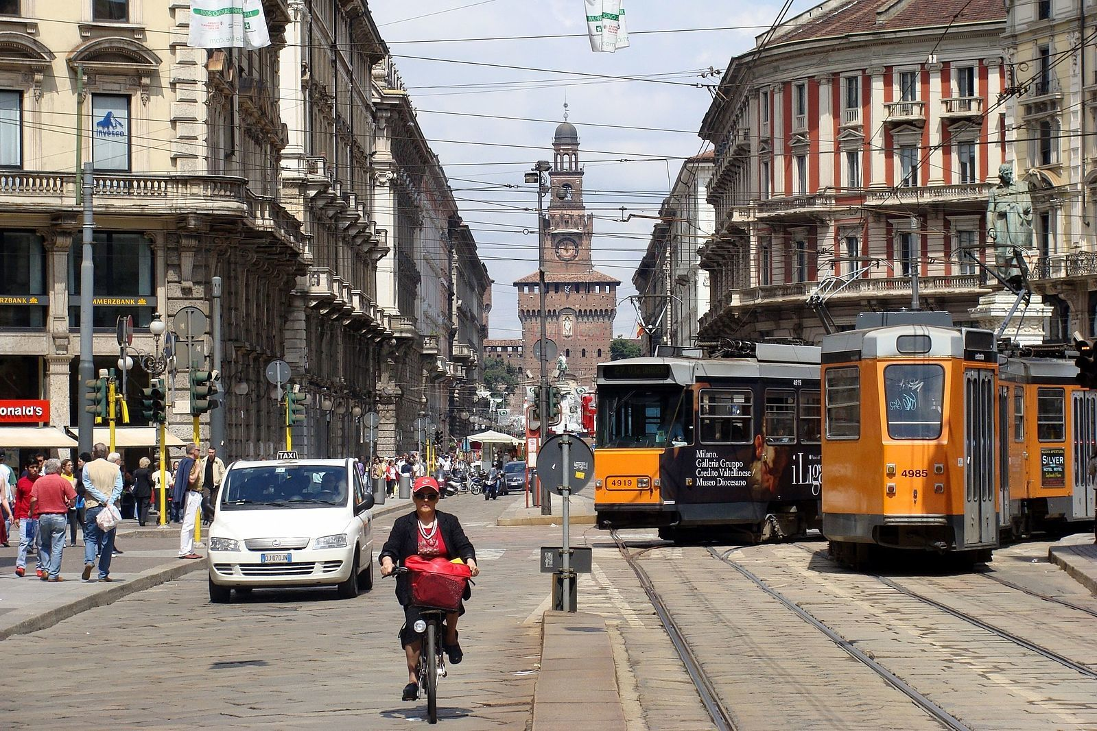Public transportation in Milan