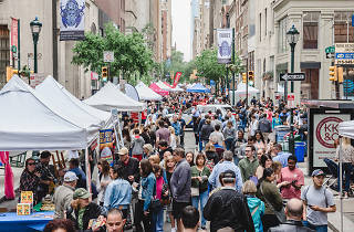 Rittenhouse Row Spring Festival is an annual hoopla in the Rittenhouse Square neighborhood of Philadelphia