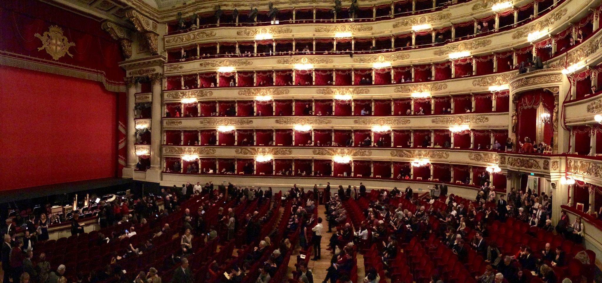 Go to La Scala on the cheap