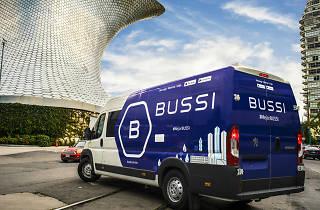 Camioneta de bussi en Polanco