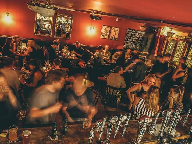 dalston pubs, three compasses