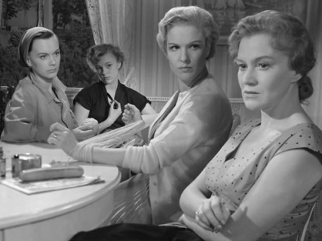 Tres Mujeres