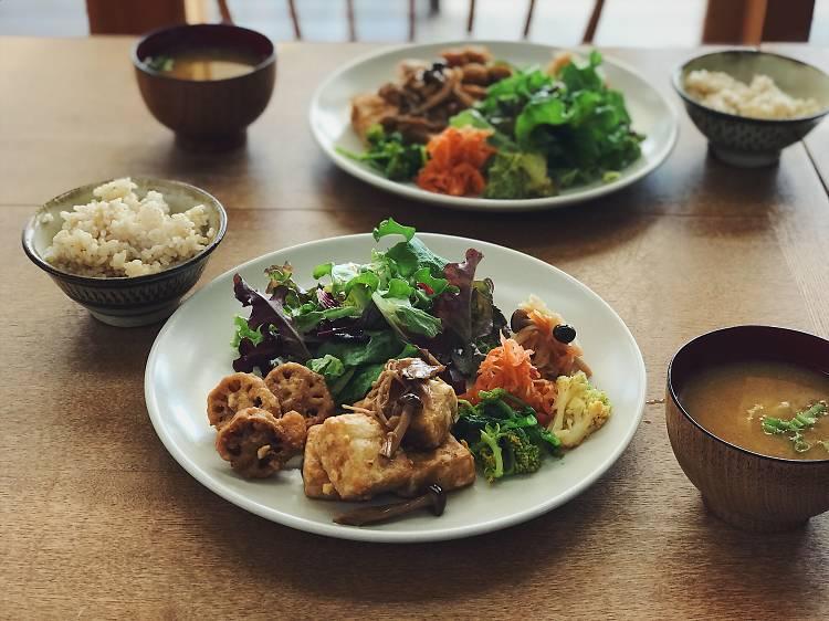 カラダに優しい玄米菜食を味わう。