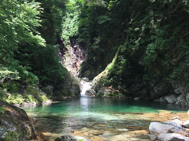 渓谷でマイナスイオンを浴びる。