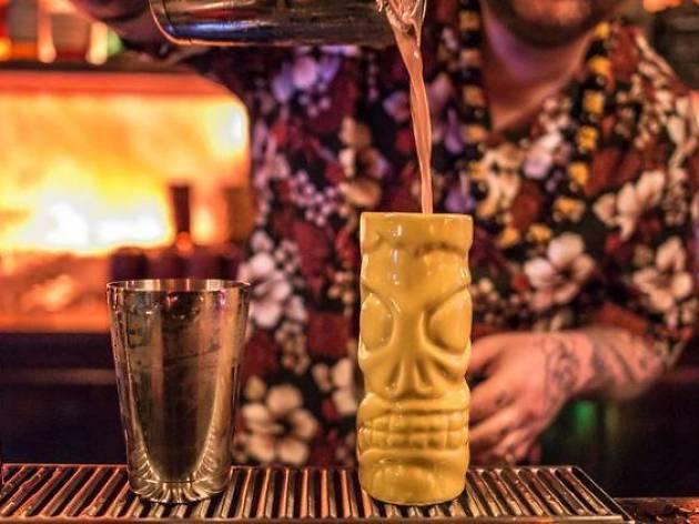 elixirs une petite histoire illustre des cocktails