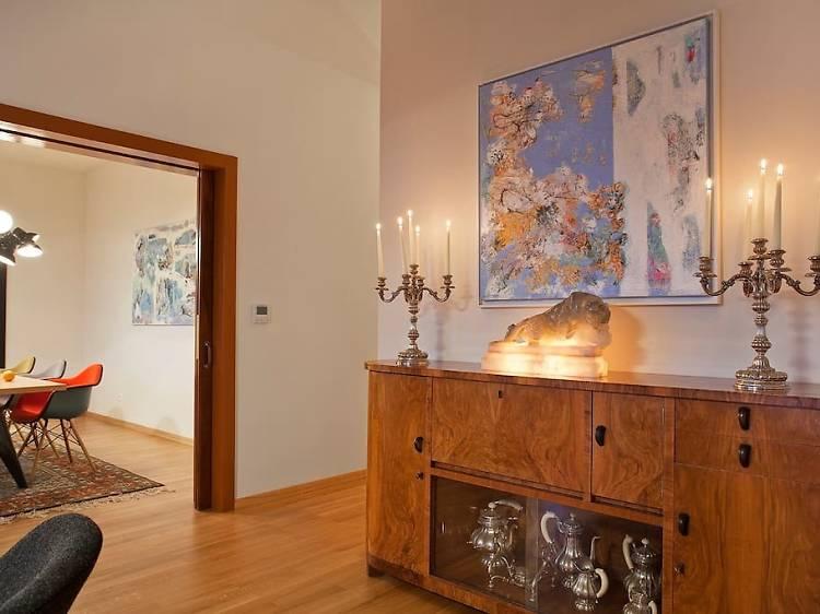 The boldly artistic villa