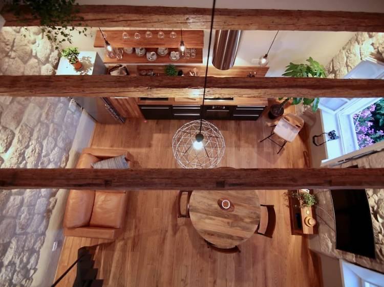 A trendy mezzanine apartment