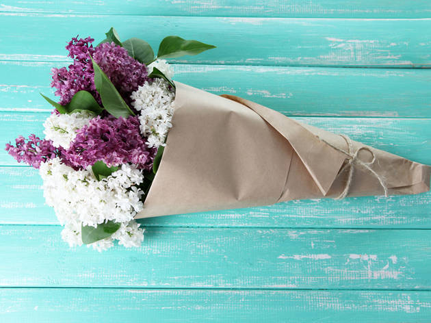 7 Cheap Flower Delivery Services For Broke Gifters