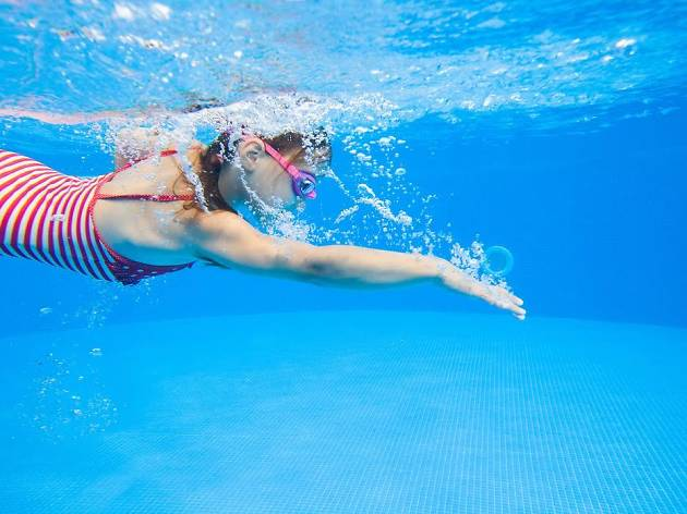 Best Swimming Lessons for Kids in NYC This Summer