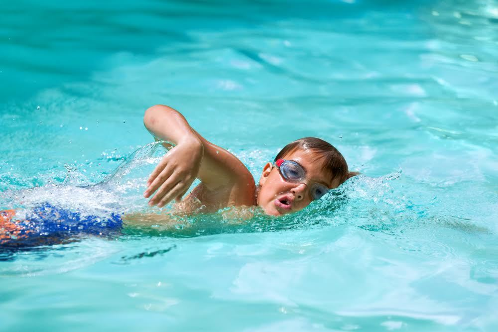 Best swimming lessons for kids in nyc this summer for Swimming pool lessons for kids