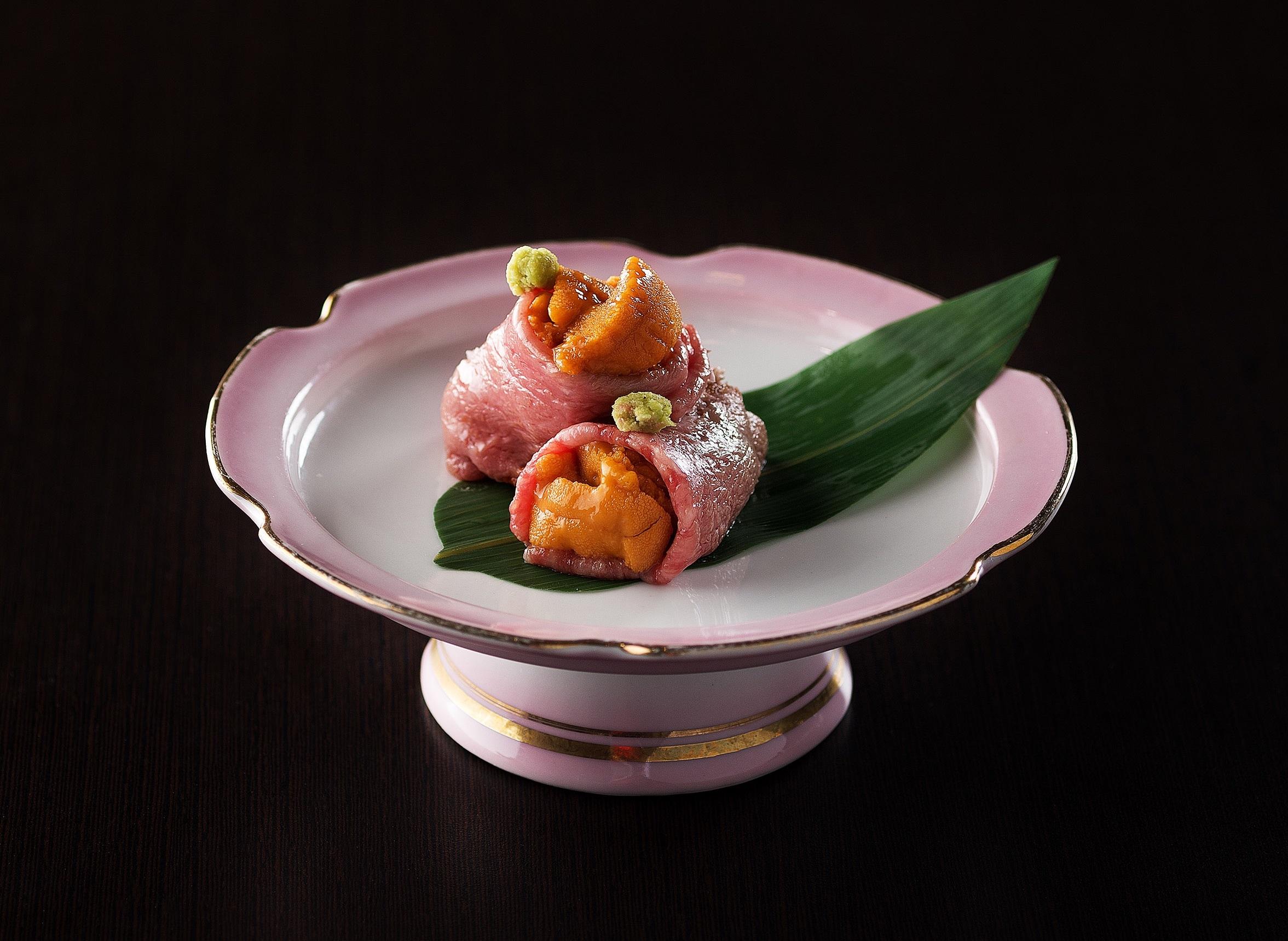 Shikigiku - grilled Kagoshima beef with sea urchin