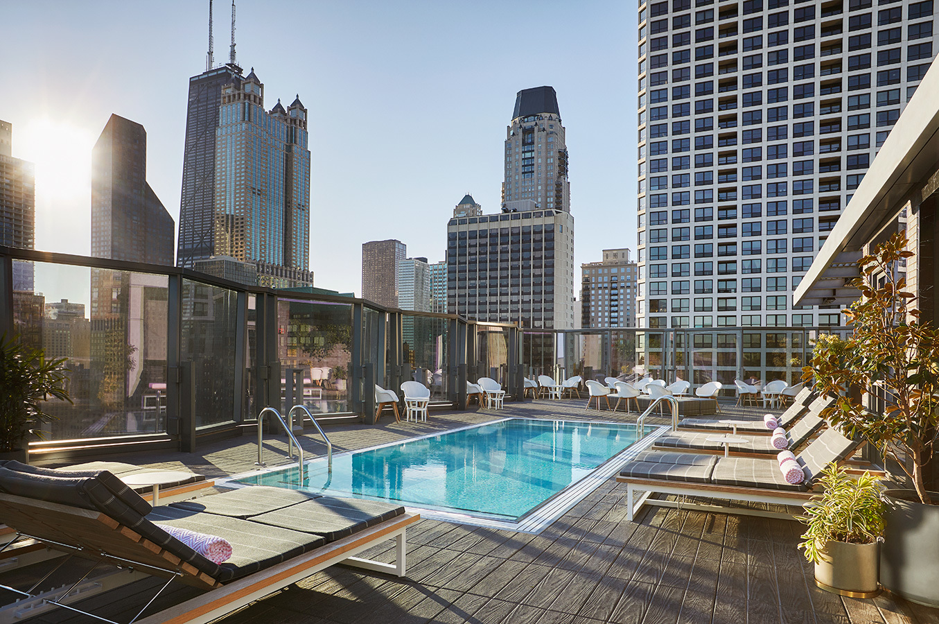The 21 best rooftop bars in Chicago